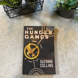 The hunger games suzanne collins